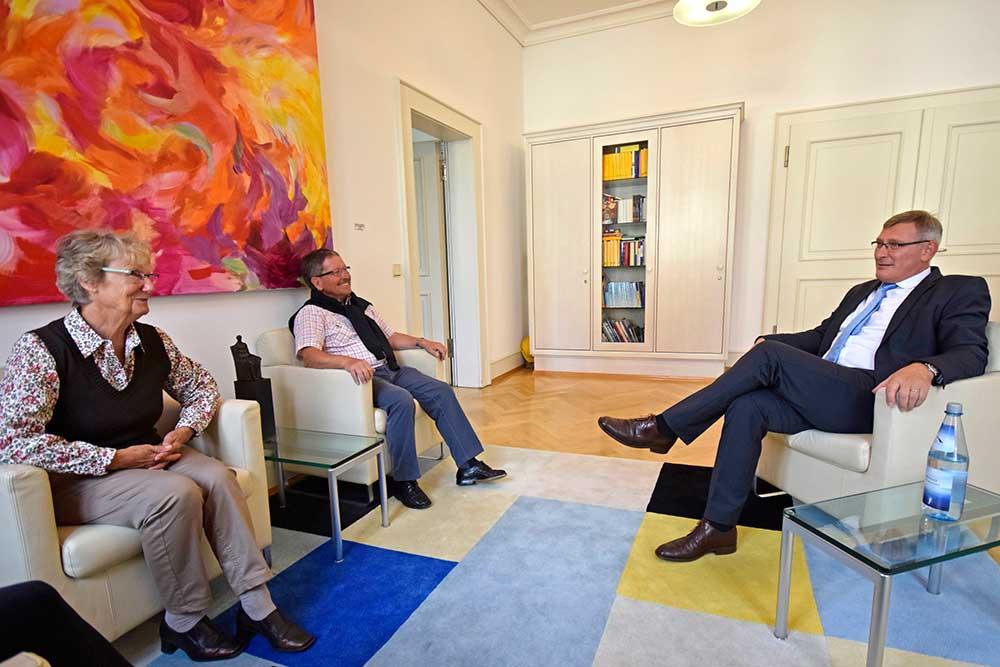 OB Michael Beck mit Elvira und Rolf Ketterer